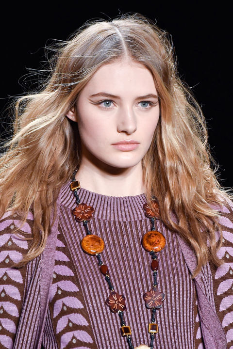 hbz-fw2015-trends-beauty-graphic-lines-anna-sui-clp-rf15-3198_1