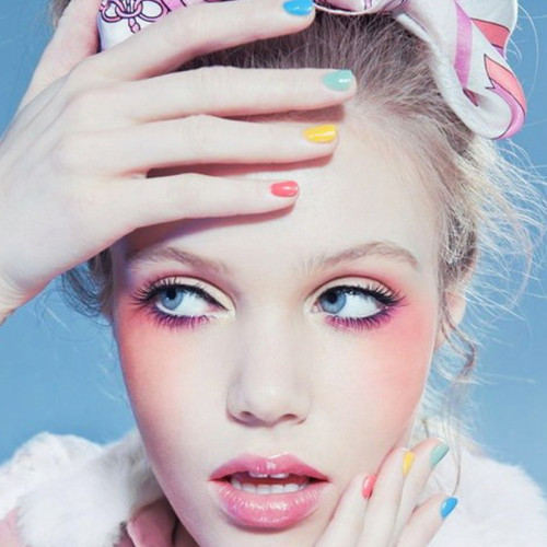 Upcoming-Trend-Harajuku-Soft-Blushy-Eye-Makeup-pink-500x500