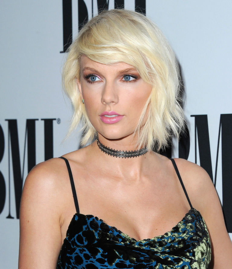 gallery-1463416708-platinum-blonde-lob-taylor-swift